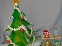 chocolate-christmas-tree-with-ornaments