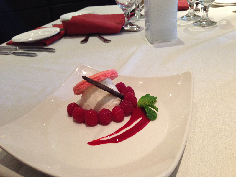 pink-macaron-with-rose-mousseline